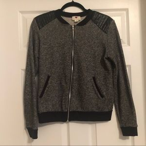 One clothing /  zip up / M